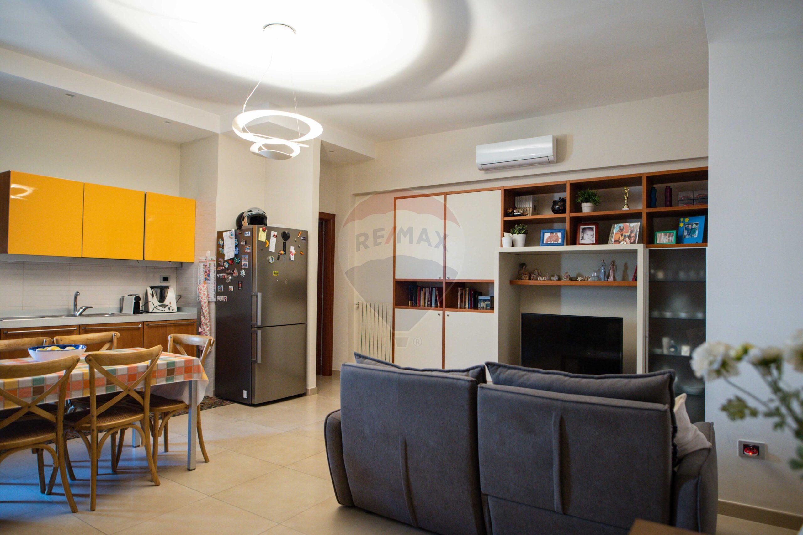 Appartamento in zona semicentrale