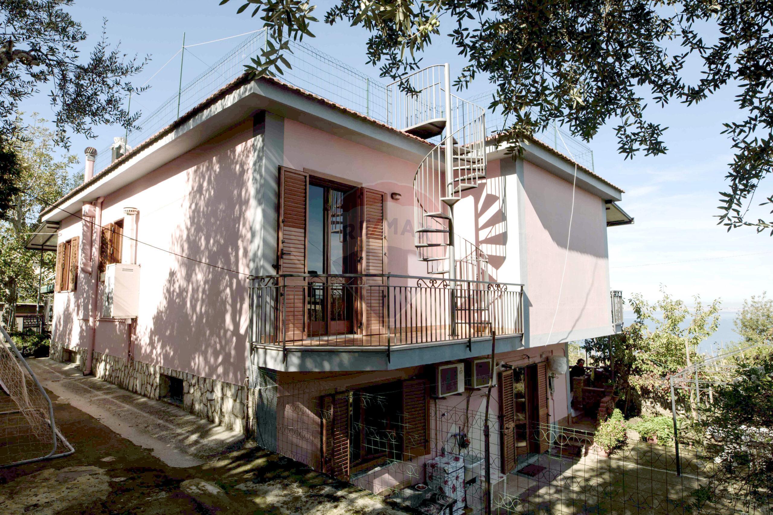 Casa Indipendente Via Alberi, 32 Vico Equense, NA