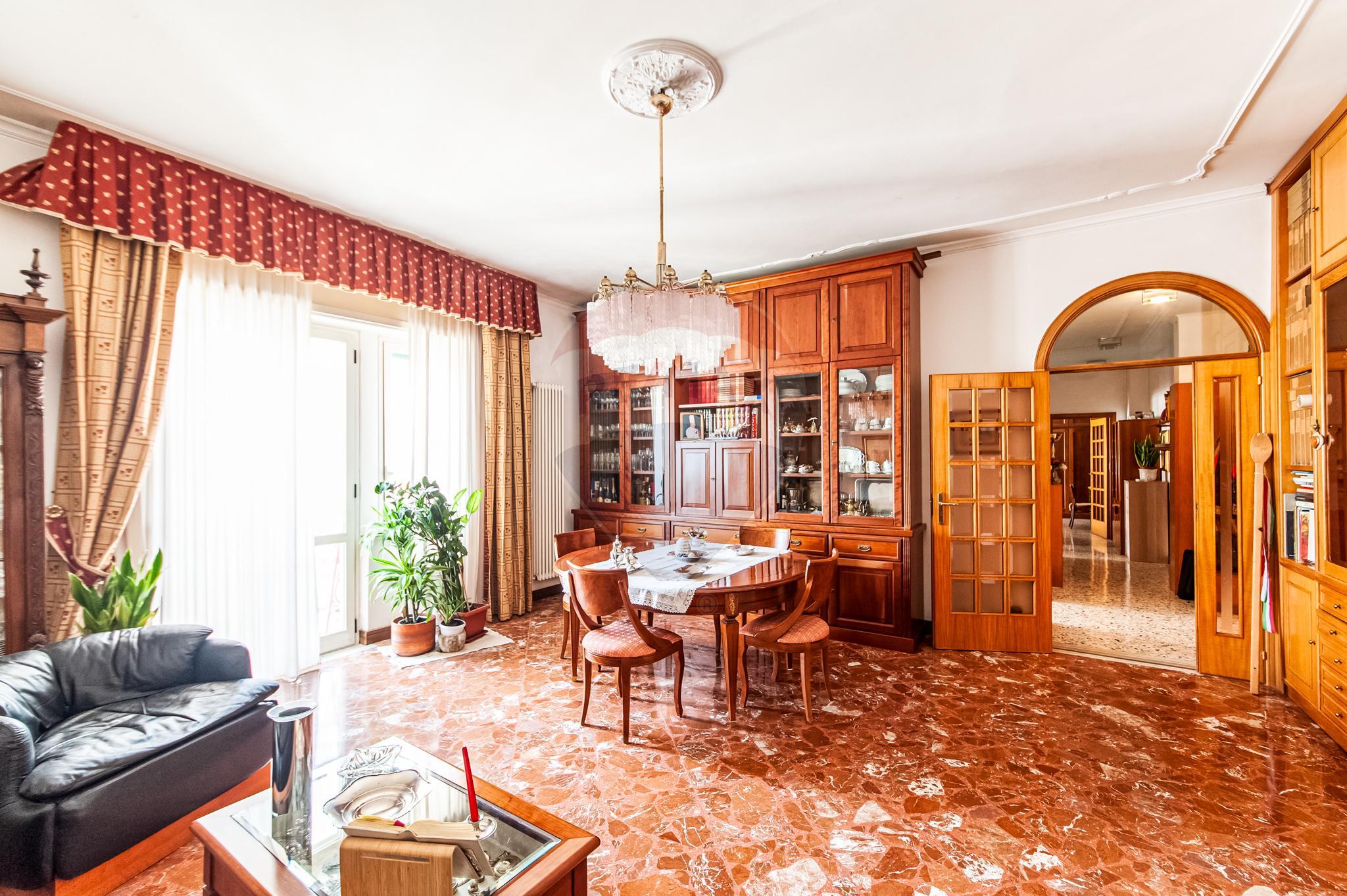 Appartamento 125 mq Settimo Piano – Pagani