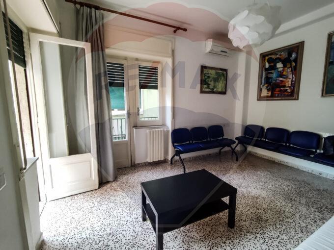 appartamento via matteo nobile 12 nocera inferiore sala d'attesa con balcone